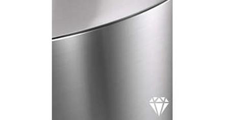 Obr. Vysoce kvalitní hliník a vynikající syntetické materiály 1400278h