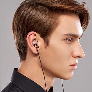 Obr. Exkluzivní držáky do uší 1461040b