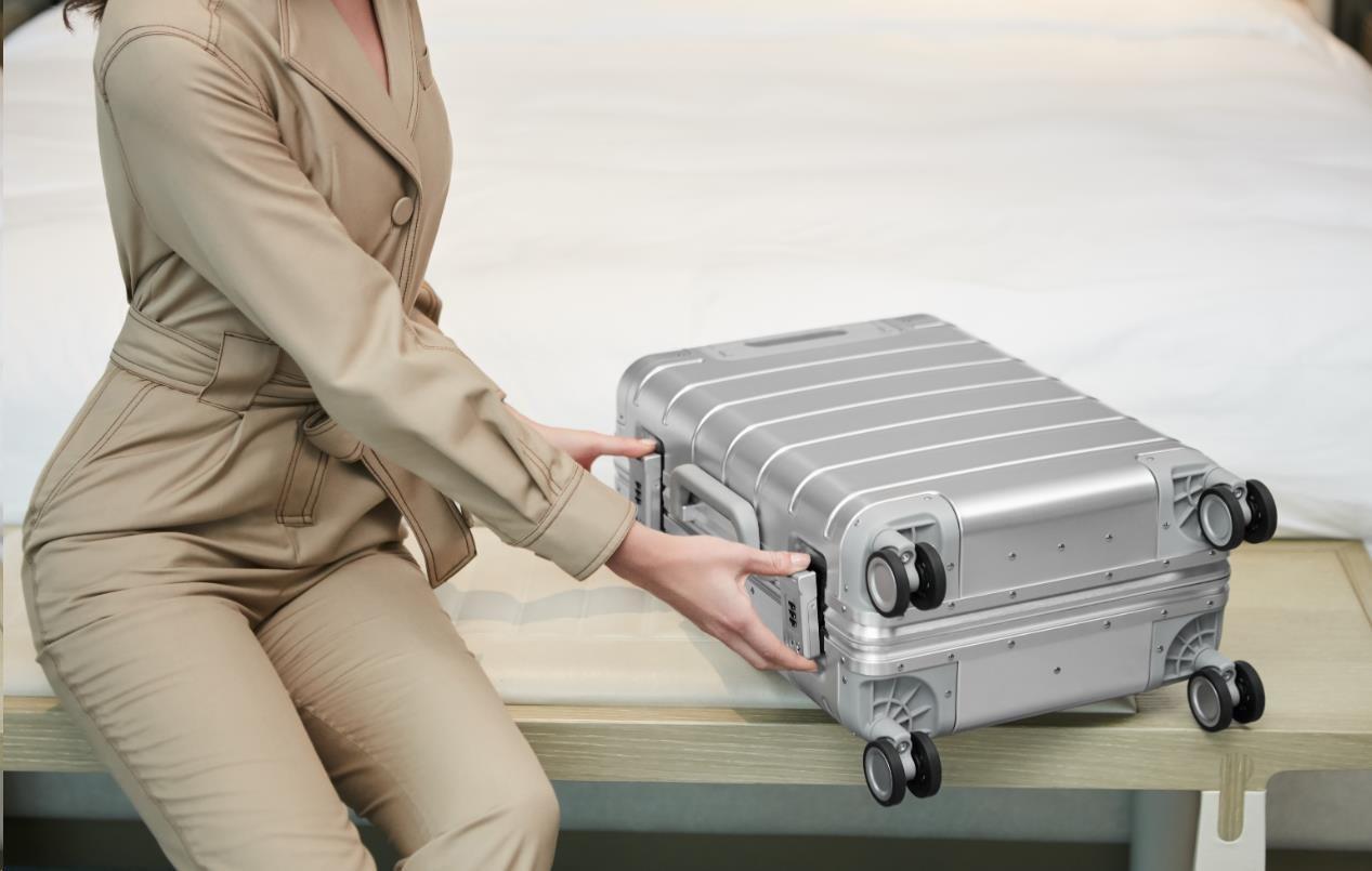 Obr. Lehké a robustní úložiště pro Vaše věci, zavazadlo s pancéřovou výztuží 1501665e