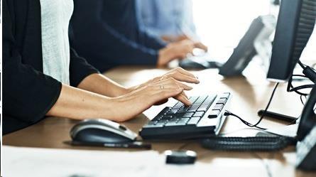 Obr. Ideální pro sdílení pracovního místa (funkce hot desking) a citlivé pracovní prostředí 645388c